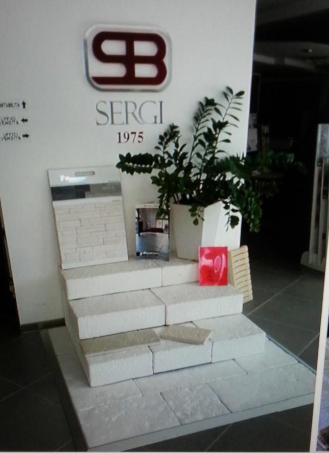 Ecco come si presenta, nella versione bianca nello showroom di un nostro cliente