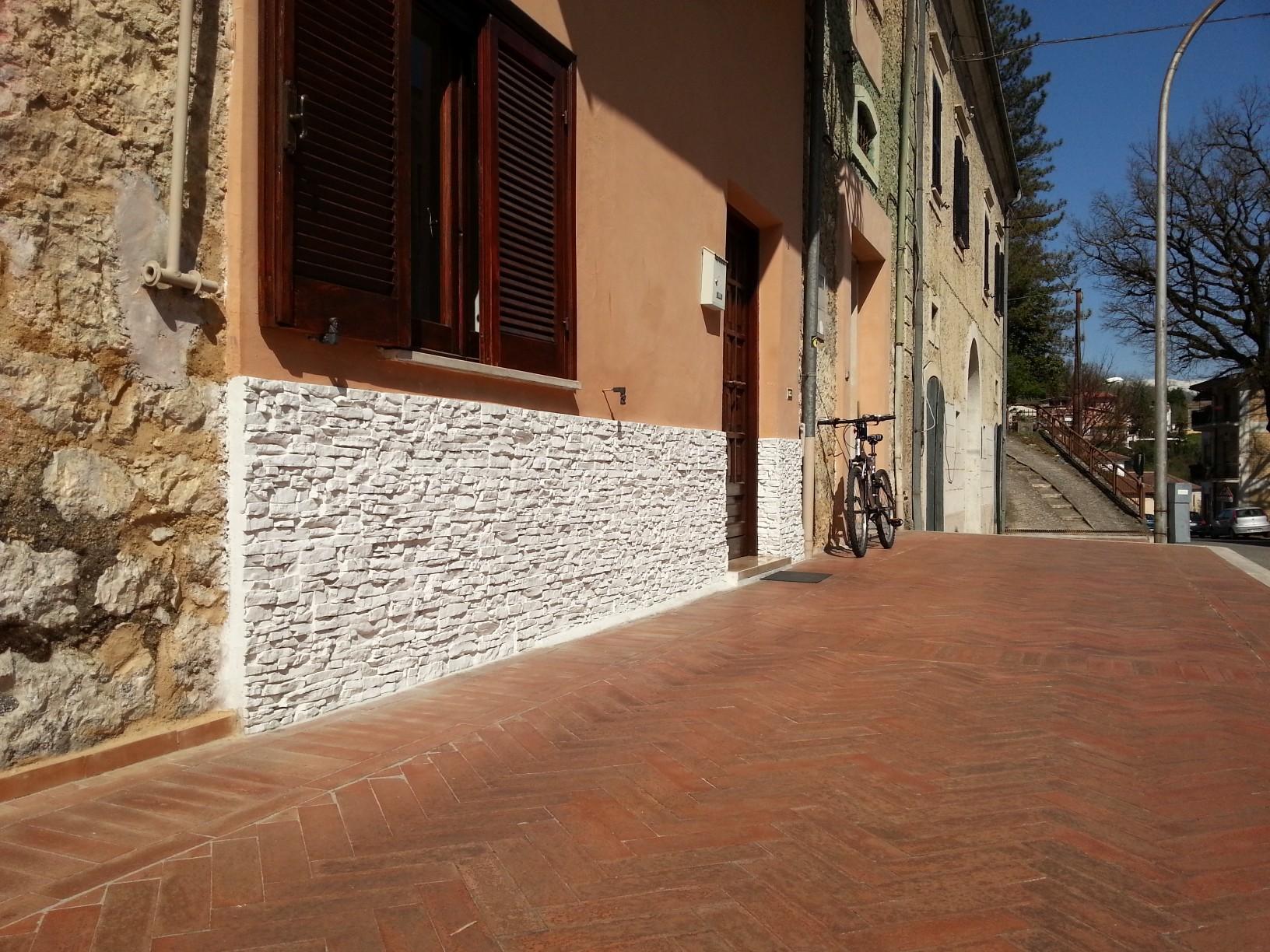 Mattonelle per muro esterno cheap piastrelle da muro esterno con