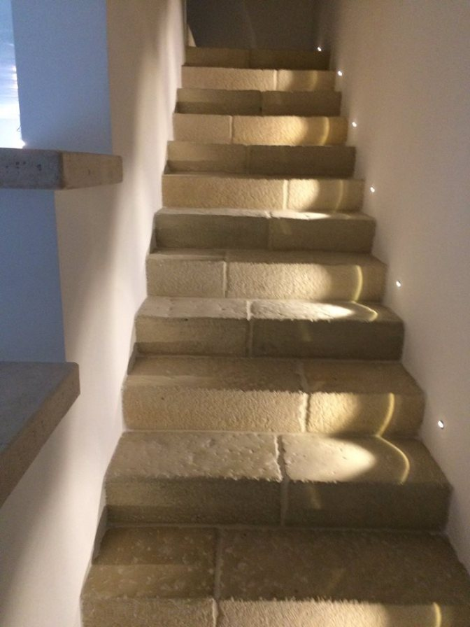elementi per scale, prefabbricato, rivestimento scale, rivestimento gradini, gradini, scale antiche, effetto pietra per scale, rivestimento pietra gradini, rivestimento pietra scalino, scale antiche