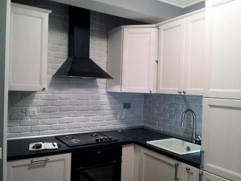 La cucina e la pietra ricostruita rinnovare con la pietra - Piastrelle effetto mattone ...