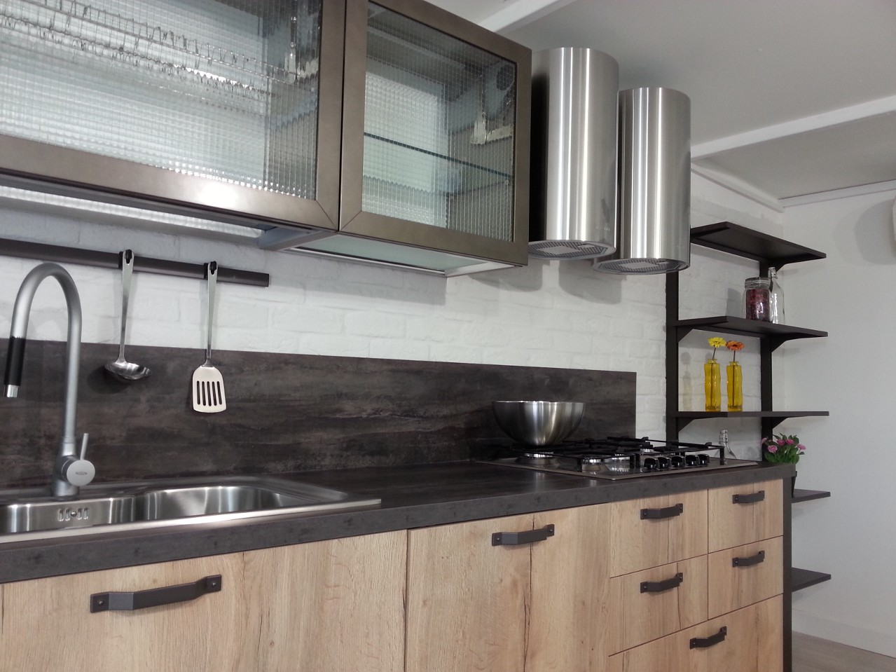 Cucina mattone b trep rm 1 rinnovare con la pietra - Rivestimento cucina finta pietra ...