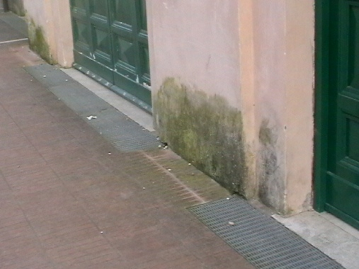 umidità nei muri, pietra ricostruita traspirante, pietra senza resine, pietra finta traspirante, traspirabilità finta pietra