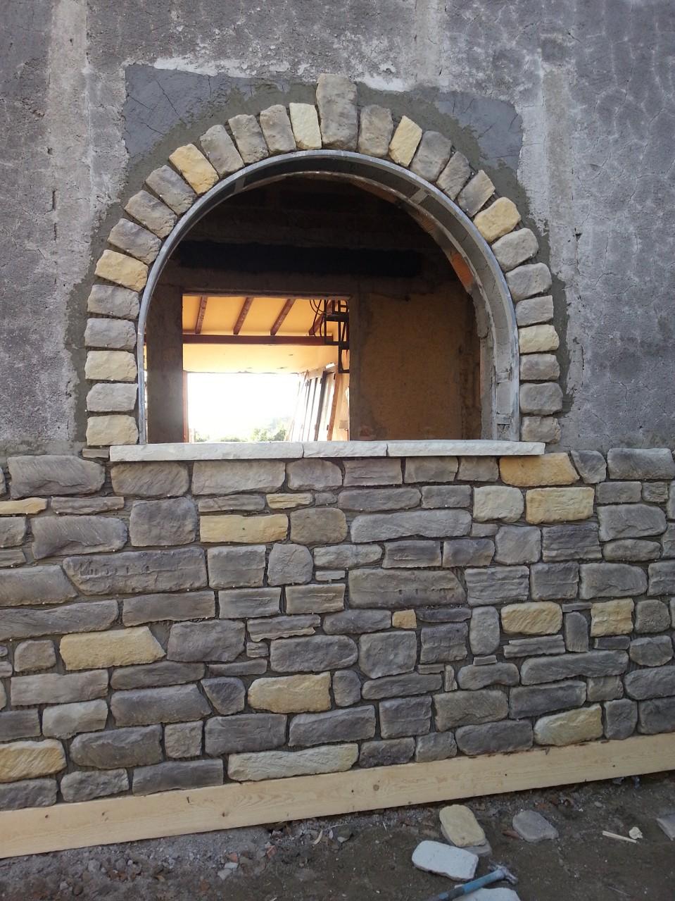 Rivestimenti con pietre antiche per interni - Muro pietra interno ...