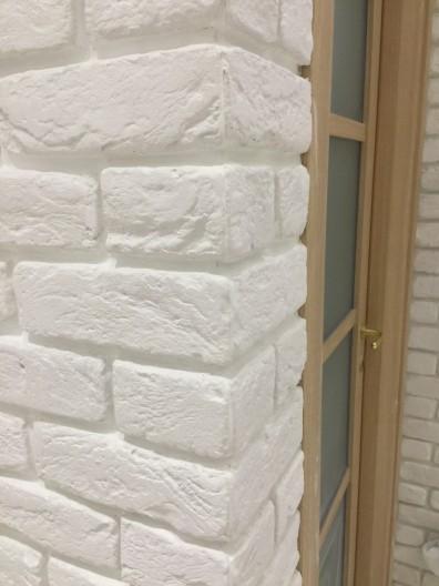 Dettaglio angolo mattoni bianchi, pietra ricostruita roma, pareti vintage mattoni, negozi, ristoranti, centro estetico, saloni di bellezza roma