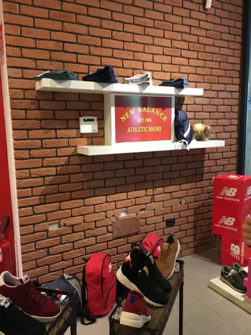 Mattone Siena negozio scarpe