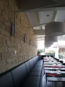 parete ristorante rivestita pietra ricostruita roccia antica di Primiceri