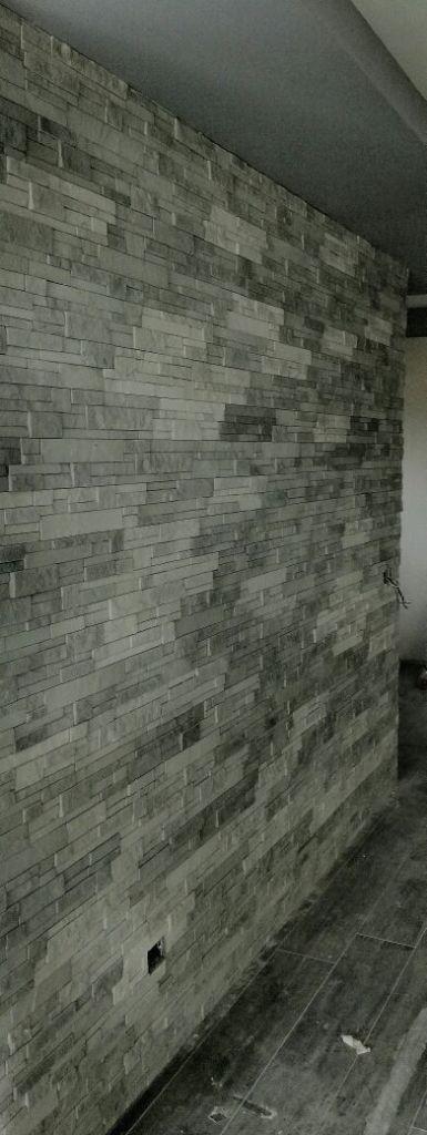 rivestimento finta pietra, quarzite, primiceri, roma, rinnovareconlapietra.com, soggiorno, arredamento negozi, architettura d'interni, arredare con la pietra