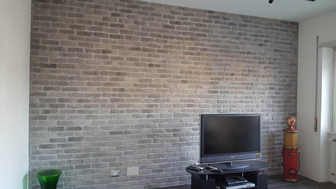 Pietra Parete Soggiorno: Il soggiorno u rinnovare con la pietra.