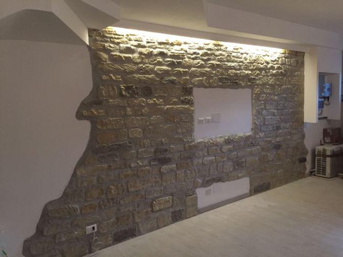 Un parete realizzata con il ns Roccia Antica