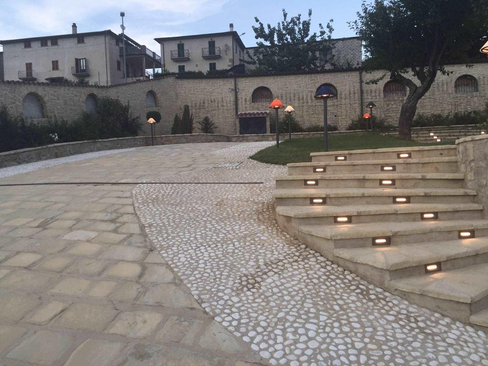 Pavimentare un esterno rinnovare con la pietra - Mattonelle per scale ...