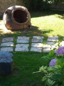 pavimenti antichizzati, pavimenti antichi, vecchi pavimenti, pavimenti recuperati, oavimenti Primiceri, pavimenti da esterno, pavimenti da giardino, sentieri in giardino, sentieri su prato, vialetti su prato, vialetti a secco, giardino, villa d'epoca