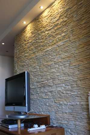 come rivestire una parete televisione in soggiorno, salotto